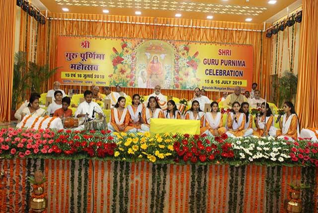 Group song was performed by Students of Maharishi Centre for Educational Excellence Bhopal on 1st Day of Shri Guru Punrmia celebration organised on 15th July 2019 at Manglam Bhawan, Maharishi Vidya Mandir Ratanpur Campus.