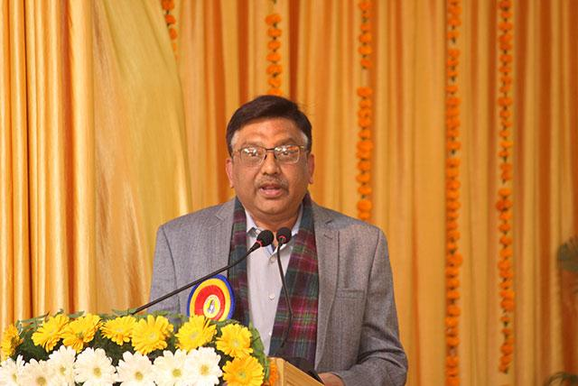Shri Alok Verma, Editor-in-Chief of Nyoooz.com is addressing the audience at conference on 'Role of Media in Creating World Peace' organised by Maharishi Organisation on 12th January 2019 at Bhopal.