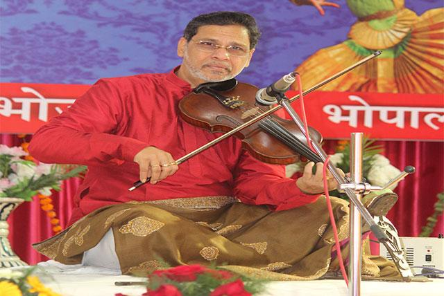 Milind Raikar from Pune performing Violin recital during Sanskriti Diwas Celebration 2019
