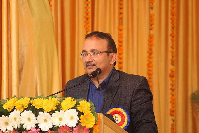 Shri Pratap Somvanshi Executive Editor of Hindustan is addressing the audience at conference on 'Role of Media in Creating World Peace' organised by Maharishi Organisation on 12th January 2019 at Bhopal.