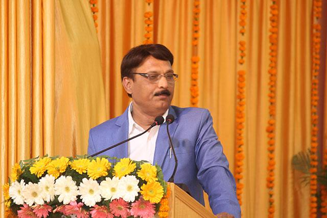 Shri S P Tripathi, MD of Swaraj Express, SMBC News Channel is addressing the audience at conference on 'Role of Media in Creating World Peace'organised by Maharishi Organisation on 12th January 2019 at Bhopal.
